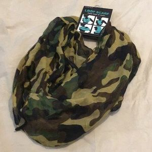 Accessories - NWT Sheer camo infinity scarf